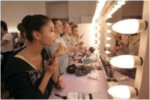 How to Become A Professional Beautician in Pakistan