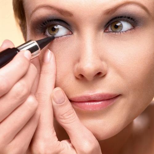 Kajal And Eyeliner apply procedure