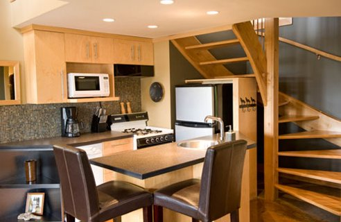 Small Kitchen Design Pictures in Pakistan 07