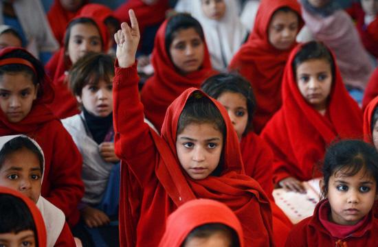 taleem e niswan essay in urdu