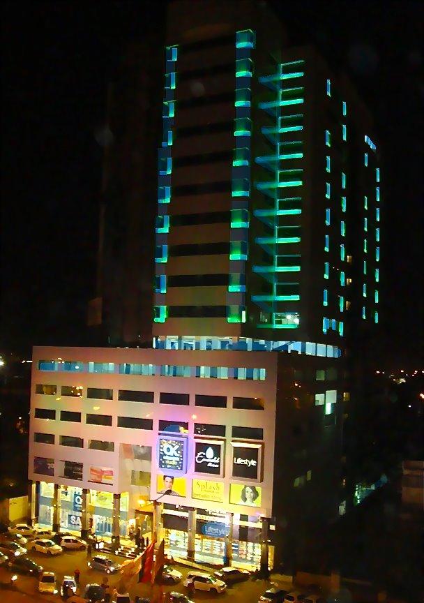 Top 10 Biggest Shopping Malls in Pakistan Emerald Towers Karachi
